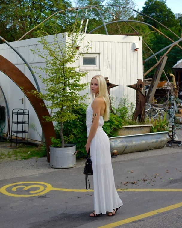 IMG 3614-608x760 in WHITE CHIC