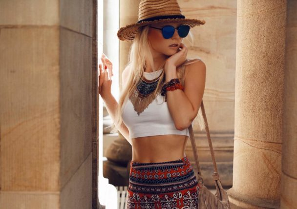 in summer outfit idea inspired by the festival