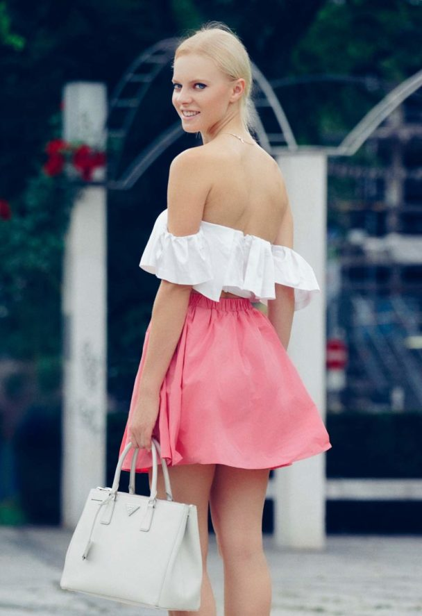 in HOW TO WEAR WHITE AND PINK OUTFIT FOR THE SUMMER