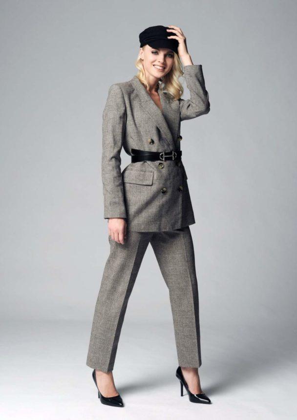 Karo-Anzug für Damen
