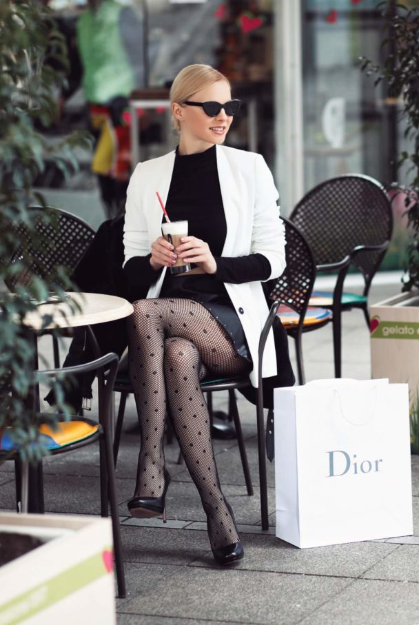 stylish black and white clothes idea