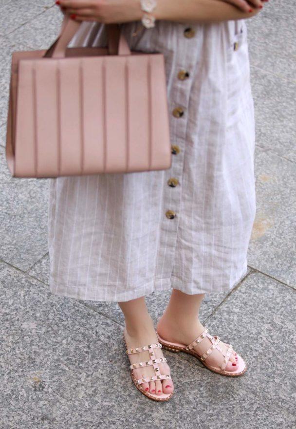 sandalen von ash label mit nieten im valentino stil