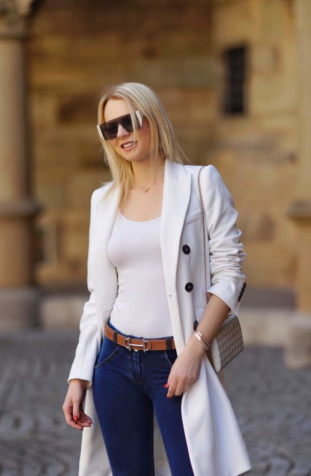 white long summer coat with skinny pants